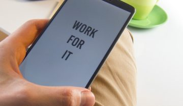 don't give up work for it message on phone